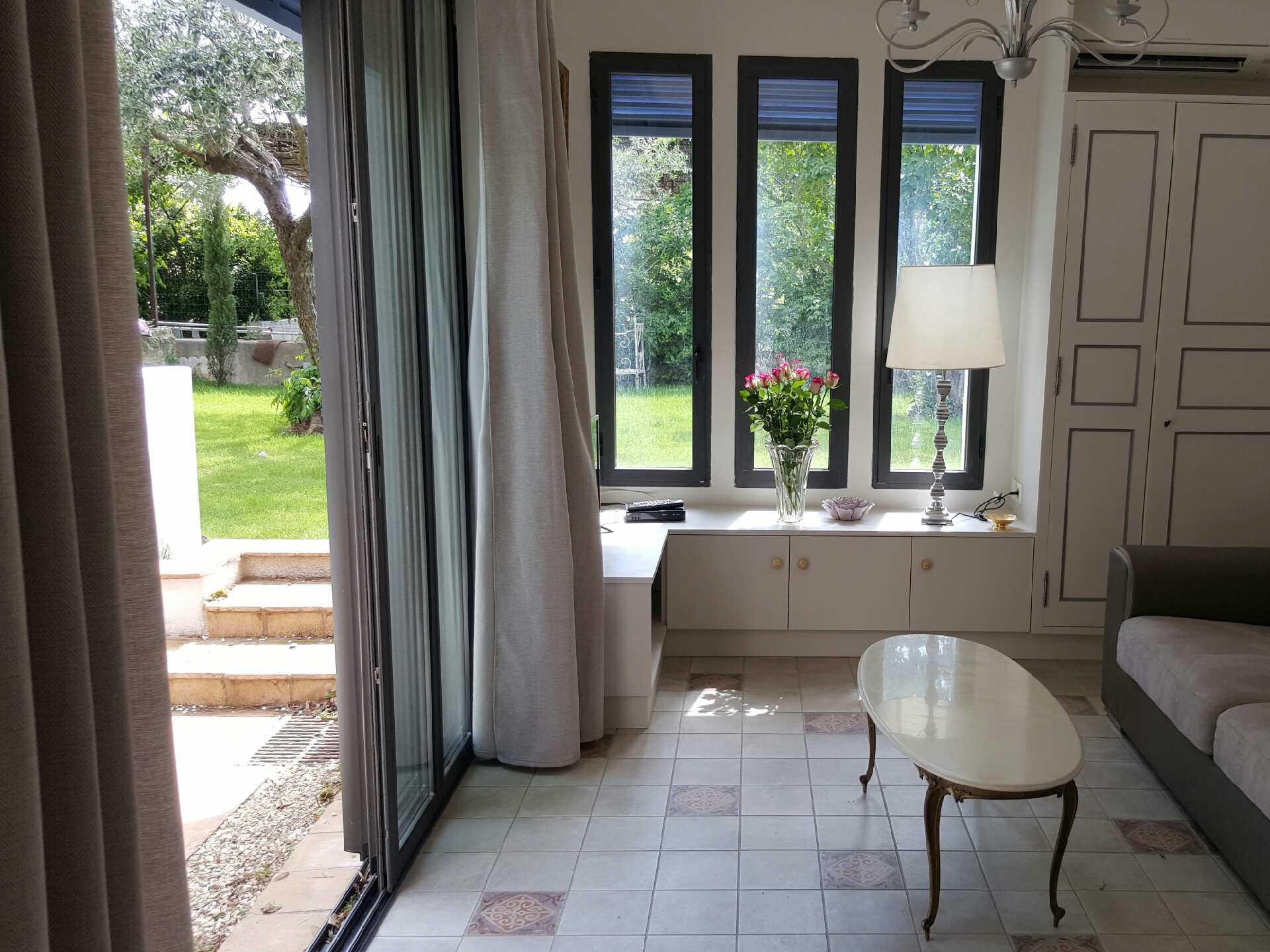 agence immobili re gignac entre vignes et garrigues. Black Bedroom Furniture Sets. Home Design Ideas