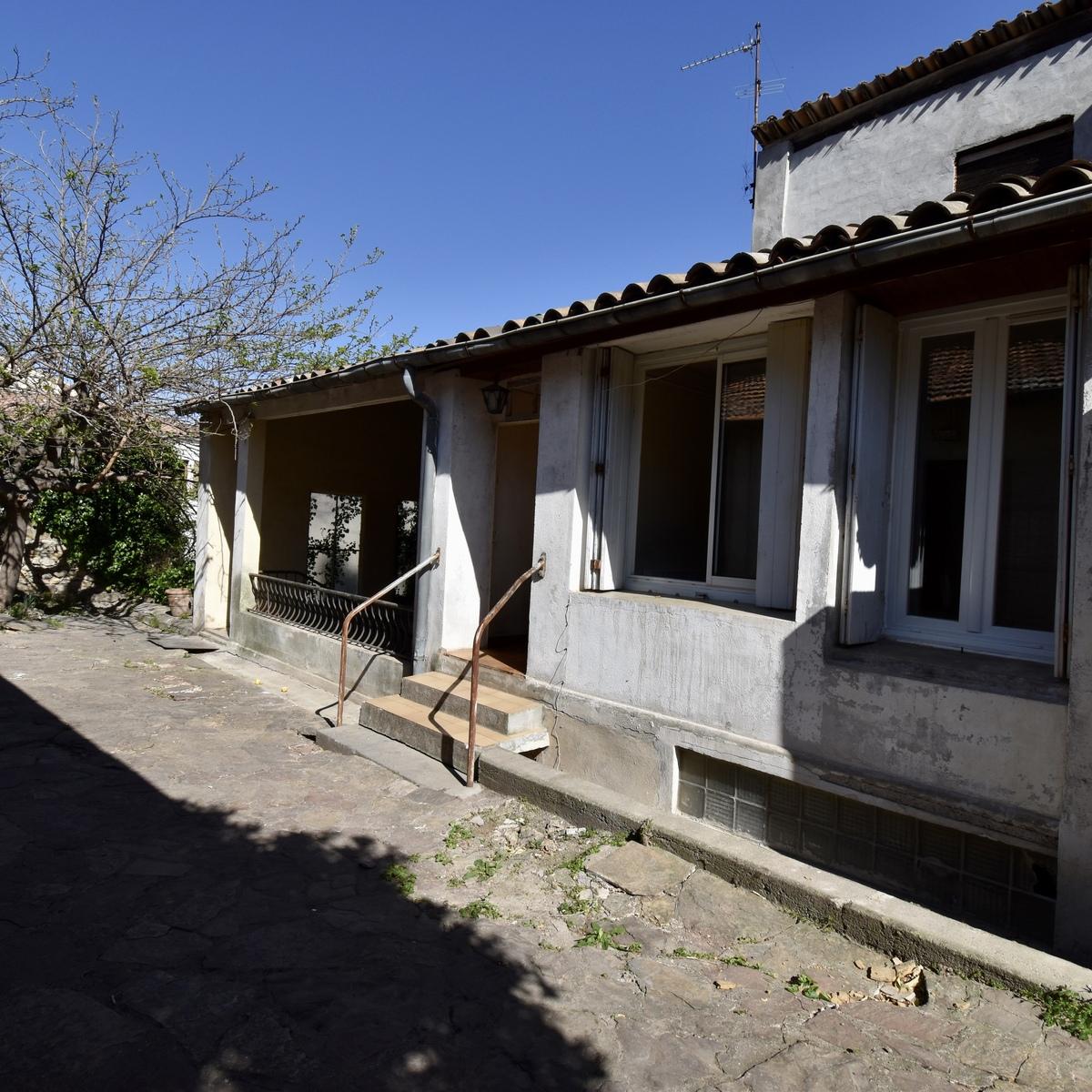 Maison de village avec jardin - Clermont-l'Hérault